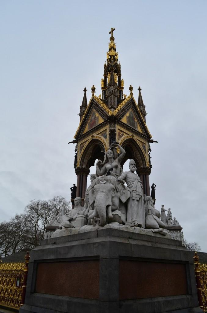 Representação da África, no Albert's Memorial - Hyde Park