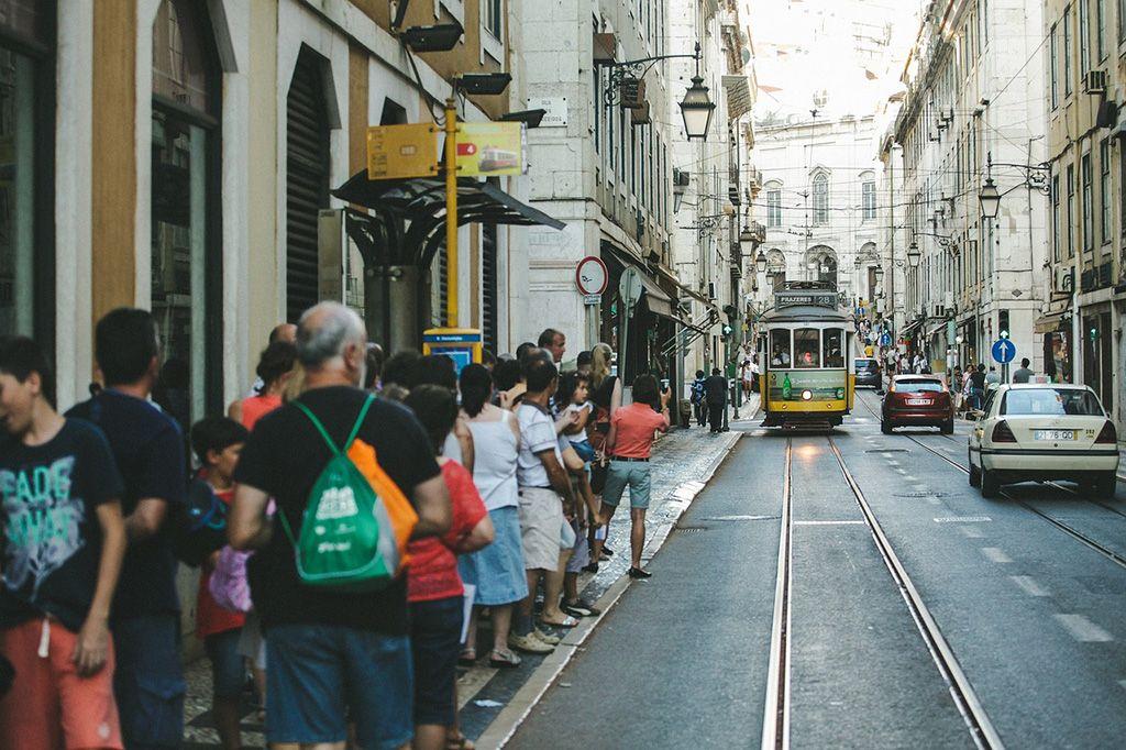 Como se locomover: andar de tram ou bonde