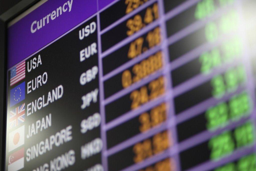 Bolsa Para Levar Dinheiro Em Viagens : Dinheiro para o exterior qual a melhor forma de levar