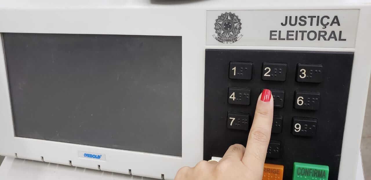 Como justificar ausência às urnas