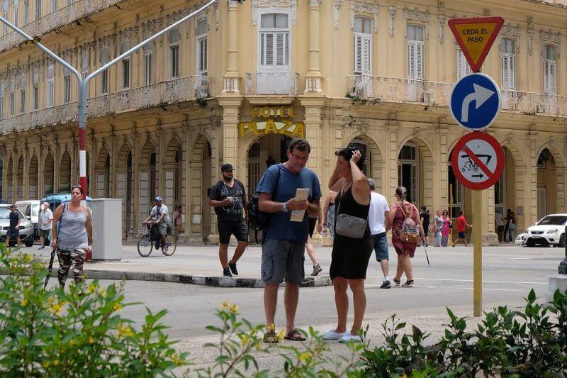 Internet em Cuba: quanto, como e onde conectar!