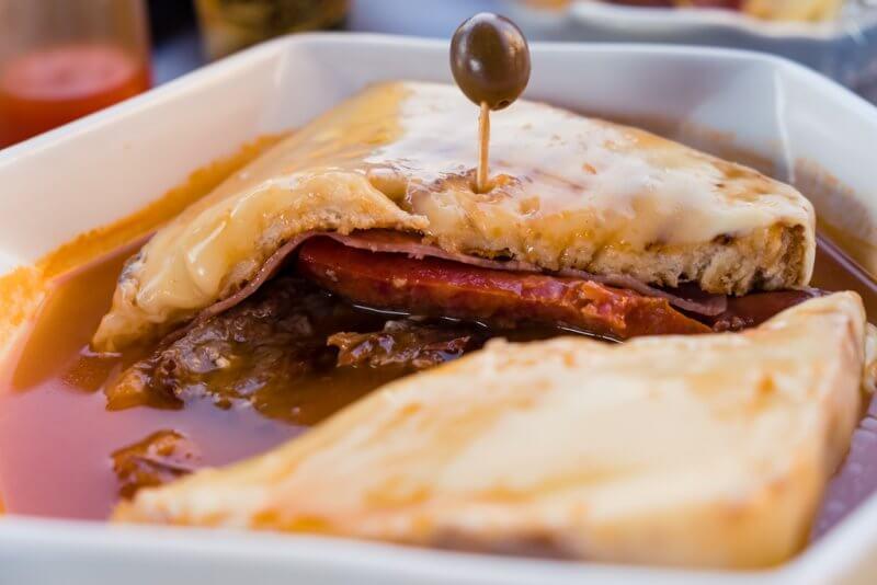 Francesinha - o que comer no Porto, dicas de portugal