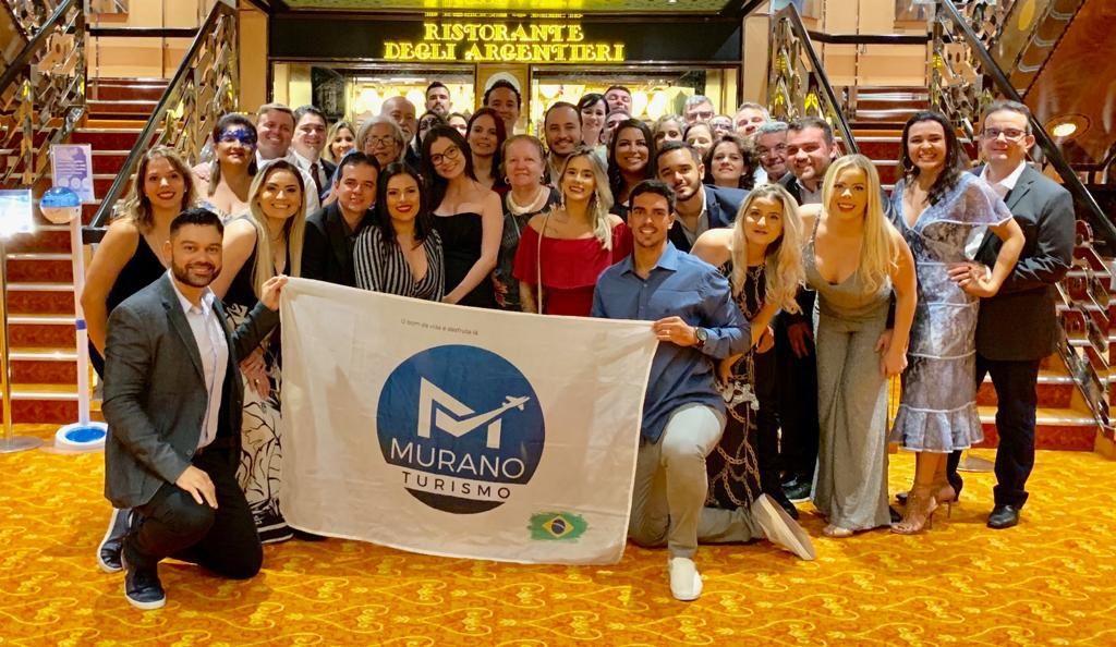 grupo em cruzeiro internacional