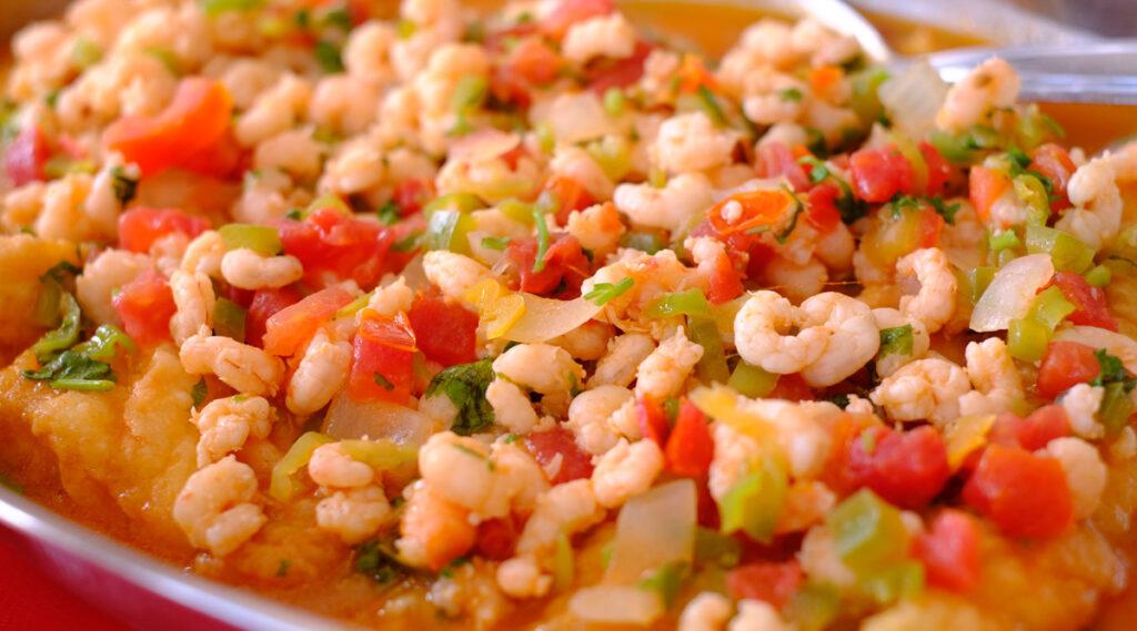 Comida tipica do Maranhao  - peixe escabeche ao molho de camarao