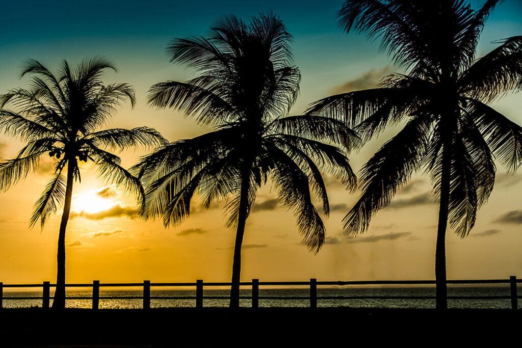 Pôr do sol na Ponta Dareia em frente ao Brisamar Hotel em São Luís do Maranhão