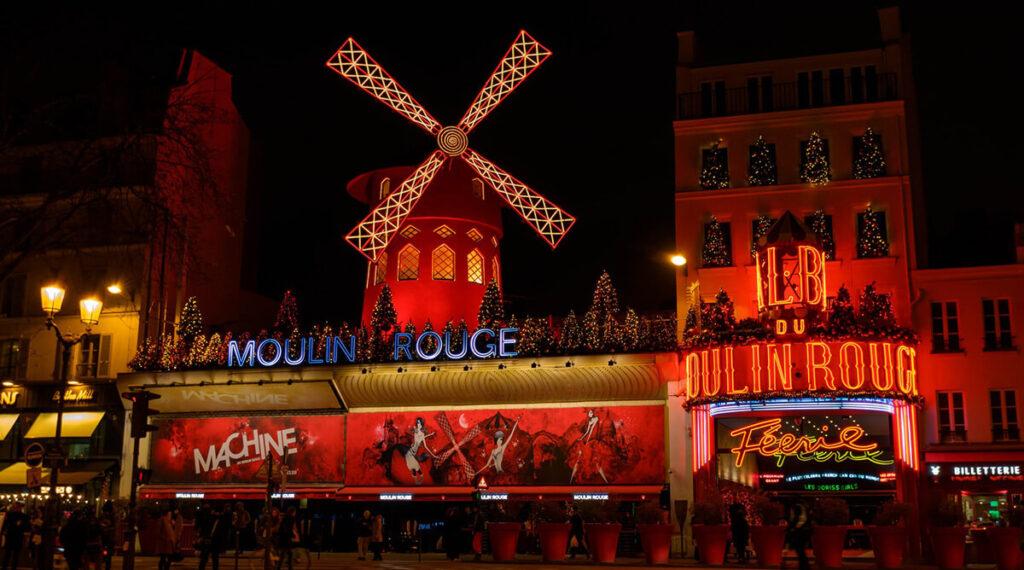 Moulin Rouge - Uma das principais atrações turísticas de Paris
