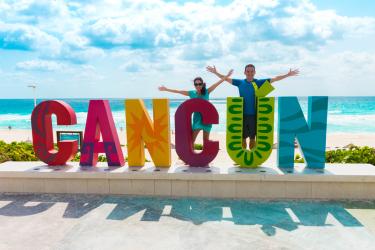 Essa plaquinha em Playa Delphines tem todo o astral de Cancún!